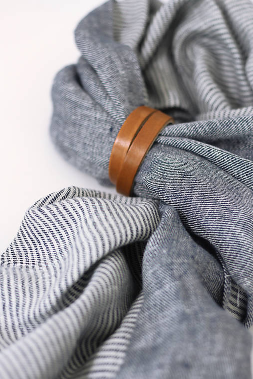 """Exkluzívny pánsky obojstranný ľanový šál s koženým remienkom """"Rafael"""""""