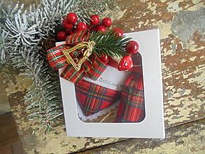 Dekorácie - (S)nežný darček s farbami Vianoc - 13761273_