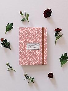 Papiernictvo - DIÁR 2022 (nápis na želanie) (Pastelový ružový) - 13764661_