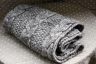 Šály - Šál. Jemný, hebký, teplý pletený šál - 13778579_
