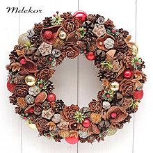 Dekorácie - Vianočný elegantný veniec - 13782955_