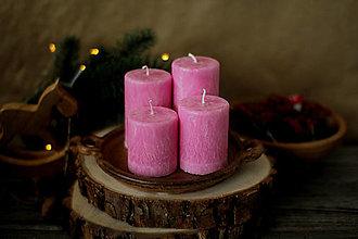 Svietidlá a sviečky - Mrazivé adventné sviečky  - ružové - 13791134_