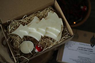Svietidlá a sviečky - Darčeková krabička   - vianočný stromček - 13804446_