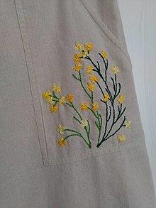 Sukne - So žltými kvietkami (recysukienka s ručnou výšivkou) - 13807243_