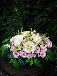 Dekorácie - ikebana na hrob v krémových a pastelových ružových farbách 48 cm - 13808005_