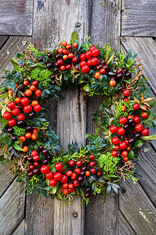 Dekorácie - Jesenný venček - Červené bobule - 13807307_