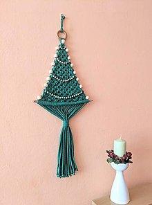 Dekorácie - Macramé vianočný stromček zelený s korálkami - 13806779_