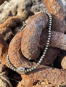 Náramky - Pyritový náramok Srdce - 13810634_