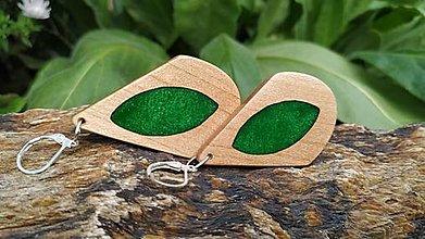 Náušnice - Drevené náušnice so živicou vyrobené z bukového dreva a háčiky sú zo striebra. .Rôzne farebné prevedenia aj na želanie. - 13811564_