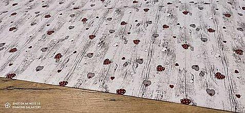 Textil - Bavlna režná - Srdiečka na dreve - cena za 10 centimetrov - 13812774_