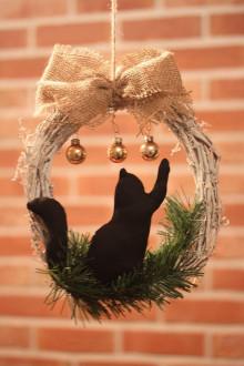Dekorácie - Prírodný vianočný veniec na dvere s mačičkou - 13811956_