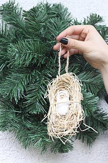 Dekorácie - Prírodné vianočné ozdoby - dieťatko na slame - 13812121_