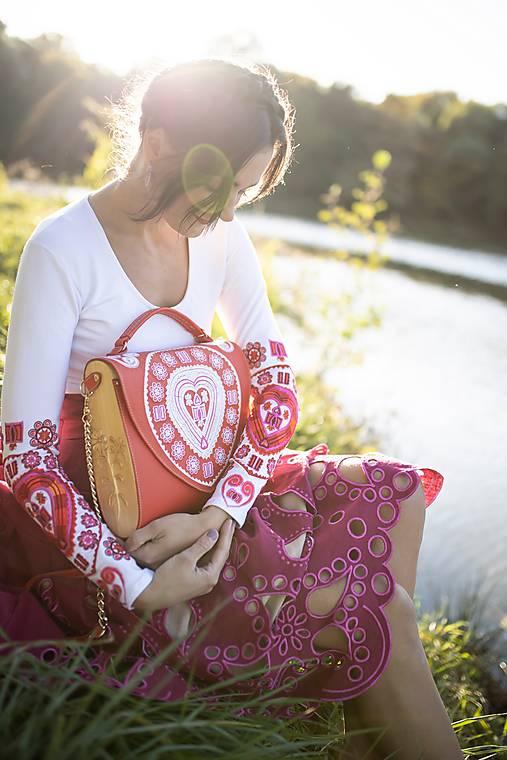 vyšívané tričko Srdce z čepca