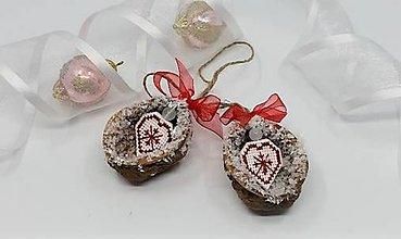 Dekorácie - Sada vianočných orieškov so srdiečkom - 13811473_