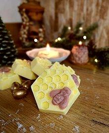 Svietidlá a sviečky - Sviečky plávajúce, vonné, včielky - 13810739_