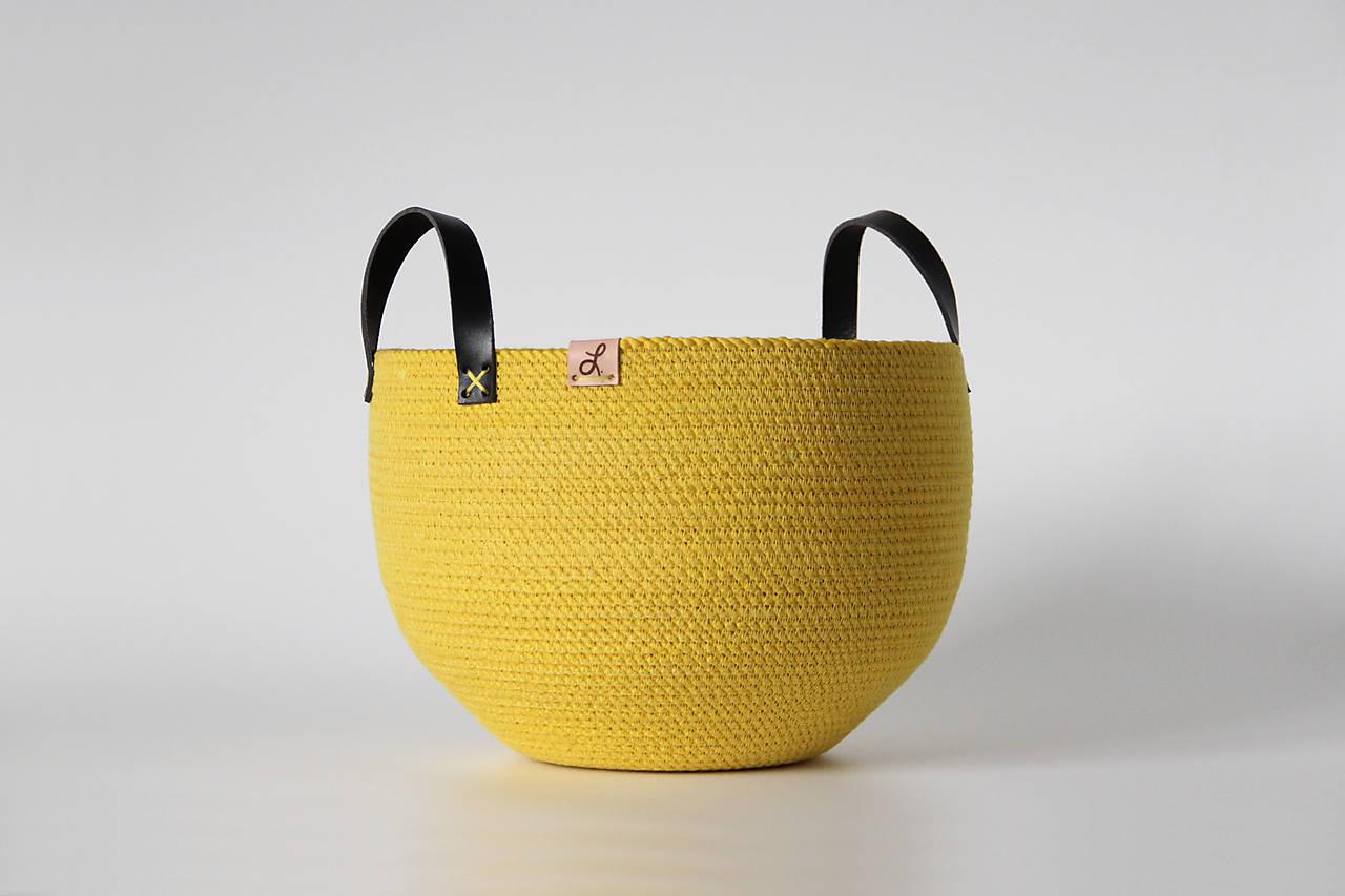 Provazový košík žlutý
