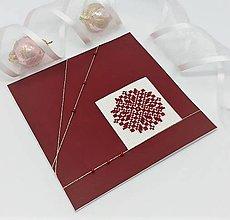 Papiernictvo - Vianočná vločka s korálkami - folk vyšívaný pozdrav - 13815785_