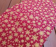 Úžitkový textil - Vianočný obrus zlaté hviezdičky na červenej - 13820956_