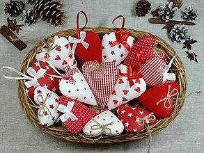 Dekorácie - Srdiečka červeno biele - 13821234_