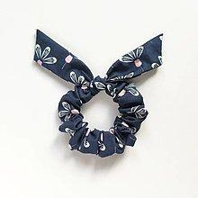Ozdoby do vlasov - Recy-scrunchie modrá kvetinková - 13825296_