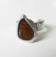 Prstene - Cínovaný prsteň s liečivým polodrahokamom bronzitom - 13831632_