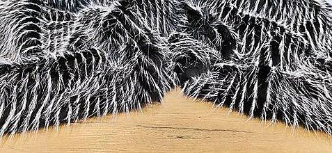 Textil - Kožušina umelá -  Škriatkovská II- cena za 10 cm (Čierno-biela) - 13832098_