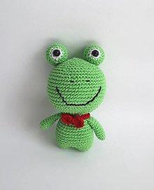 Hračky - Háčkované mini zvieratká (Žabka) - 13832905_