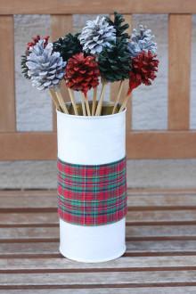 Dekorácie - Chalupárska vianočná dekorácia v upcyklovanej váze - 13832735_