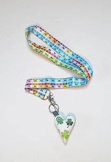 Kľúčenky - Textilná šnúrka na krk, kľúčenka so srdiečkom - chemické prvky - 13832947_