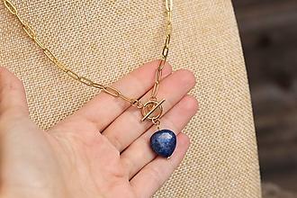 Náhrdelníky - Retiazka z nerezu so srdiečkom lapis lazuli - 13830483_