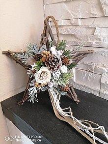 Dekorácie - Drevená vianočná hviezda s krajkou 30cm - 13837829_