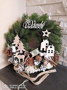 Dekorácie - Prírodný vianočny veniec s nápisom 30 cm - 13841047_