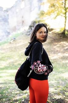Mikiny - čierna vyšívaná mikina Srdce z čepca - 13846098_