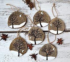 Dekorácie - Drevené ozdoby-Zimná krajinka nočná - 13846647_