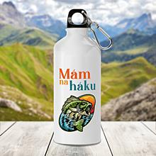 Nádoby - MÁM NA HÁKU turistická fľaša - 13847998_