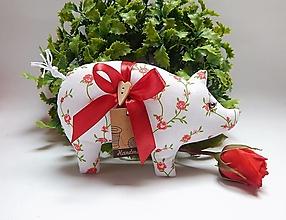 Dekorácie - Prasiatko pre radosť - ružičky na bielom - 13846320_