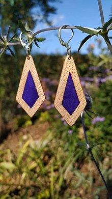 Náušnice - Drevené náušnice so živicou vyrobené  bukového dreva a háčiky sú zo striebra. .Rôzne farebné prevedenia aj na želanie - 13853122_