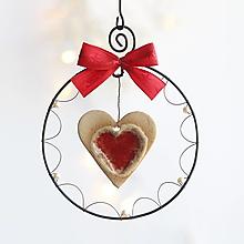 Dekorácie - linecké keramické srdiečko s červenou mašličkou - 13854939_
