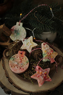 Dekorácie - Dúhové vianočné ozdoby - voňavé - 13855136_