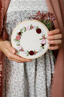 Dekorácie - Romantická výšivka Ranná rosa ♡ - 13856348_
