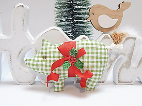 Dekorácie - Vianočné ozdôbky - zeleno biele káro - prasiatko - 13855835_