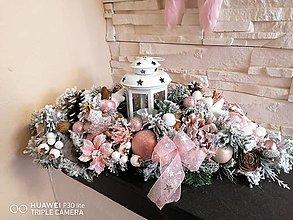 Dekorácie - Vianočna zasnežena dekorácia 50 cm s lampasom - 13857426_