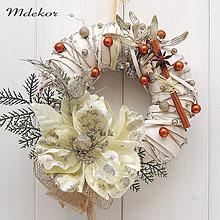 Dekorácie - Veniec s vianočnou ružou - 13869325_