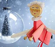 Dekorácie - Lietajúci Drevený Anjel Ružový pre Každé Dievčatko - 13867281_