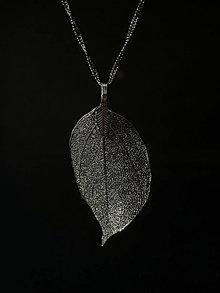 Náhrdelníky - Náhrdelník Čierny list - 13872258_