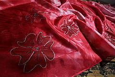 Šály a nákrčníky - Kvety - červený hodvábny šál - 13873225_