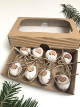 Dekorácie - Závesné vyšívané vianočné ozdoby s dreveným srdiečkom - 13883784_